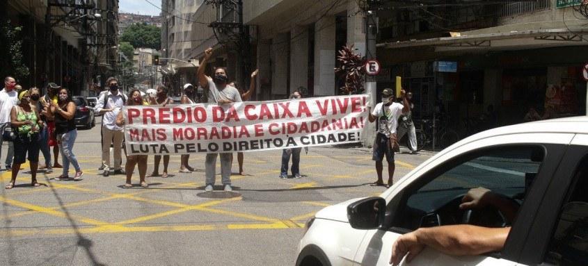 Protesto prédio da Caixa