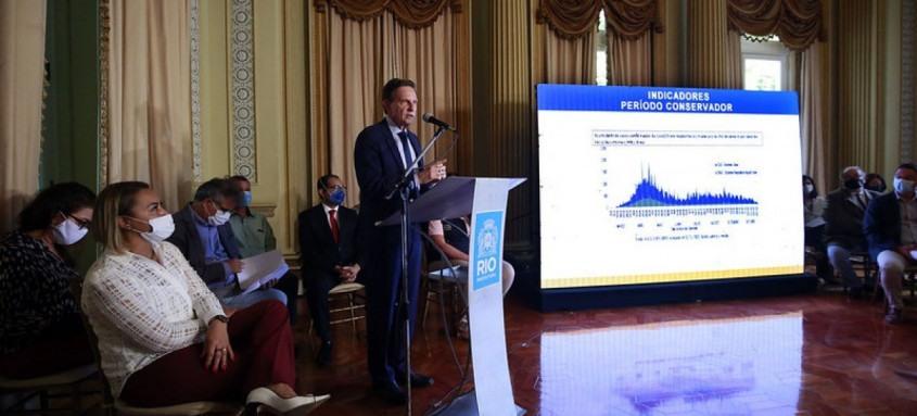 Crivella anuncia medidas para tentar recupear a economia da cidade