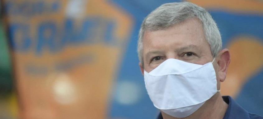 Prefeito eleito de Niterói, Axel Grael anunciou ontem em uma rede social que testou positivo para o novo coronavírus