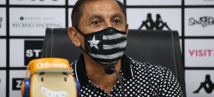 Técnico Ramón Díaz foi apresentado no início desta semana como novo técnico do Botafogo