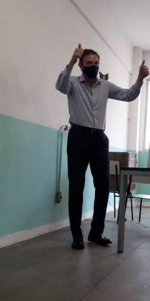 Marcelo Crivella, candidato a reeleição, foi o primeiro a votar