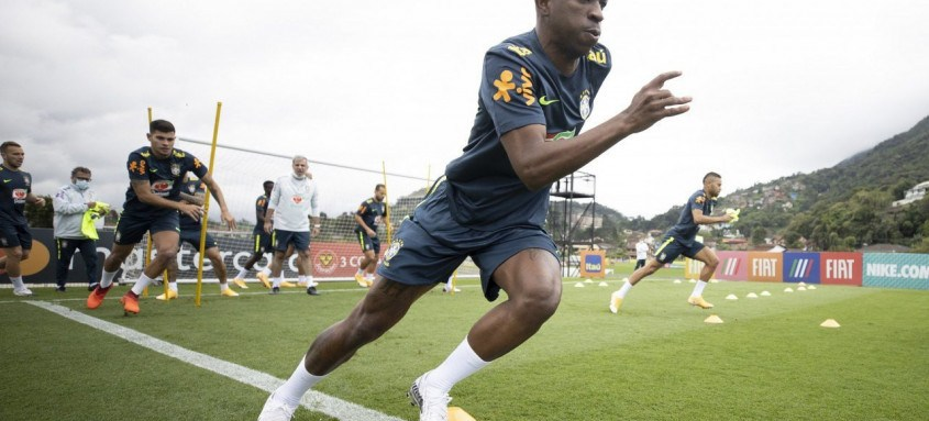 Vinícius Júnior estava com a Seleção Brasileira que disputou dois jogos das Eliminatórias