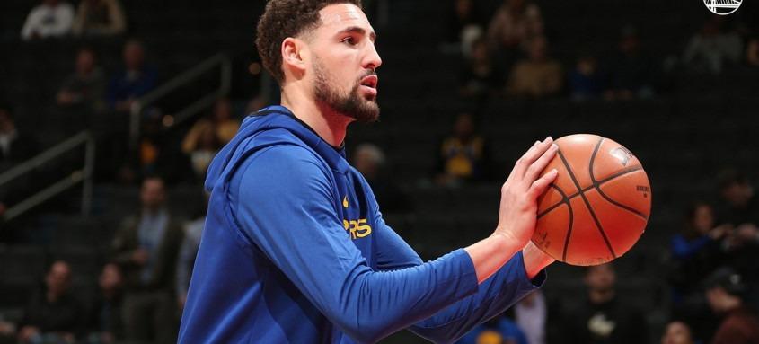 Devido a outra lesão, Klay Thompson não jogou a última temporada da NBA vencida pelo Los Angeles Lakers