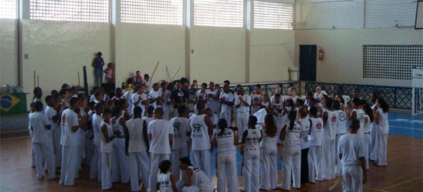 Encontro de capoeira e manifestações populares acontece às 18h
