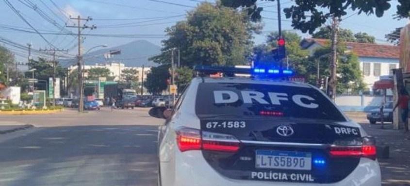 A prisão ocorreu na manhã desta sexta-feira (8), depois que os policiais da DRFC seguiram um caminhão roubado através do rastreador