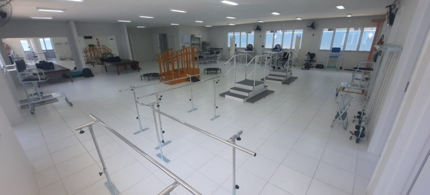 Instalados junto ao Posto de Atendimento Médico (PAM) de Neves, CER e o CEO começam atender a população