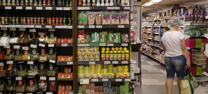 Fiscais flagraram alimentos impróprios para o consumo