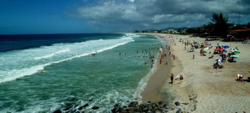 Praia de Ponta Negra, em Maricá, um dos atrativos turísticos do município. Cidade investe no desenvolvimento