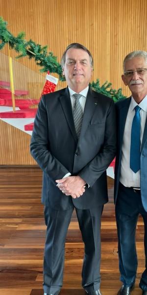 O presidente Jair Bolsonaro se encontrou com Capitão Nelson, prefeito eleito de São Gonçalo, e recebeu demandas da cidade, em especial na área de segurança