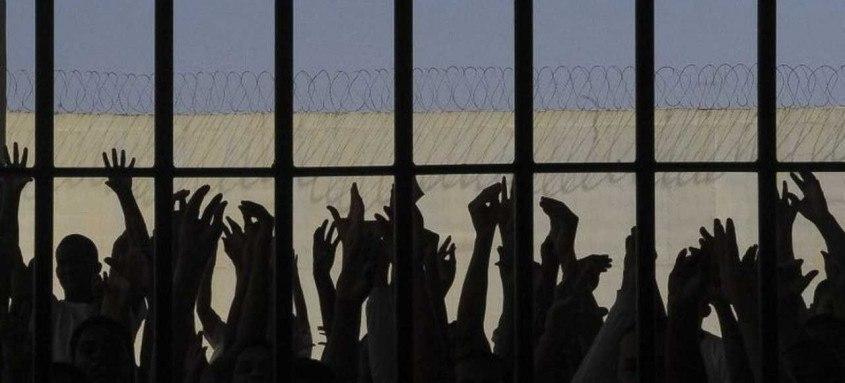 Medida cautelar do ministro Edson Fachin determina que prisões temporárias, preventivas e definitivas, e não somente as feitas em flagrante, devem ser seguidas de apresentação em juízo, no prazo de até 24 horas