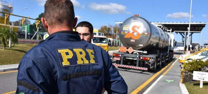 Operação Desvio de Rota cumpre mandados no Rio e em São Paulo