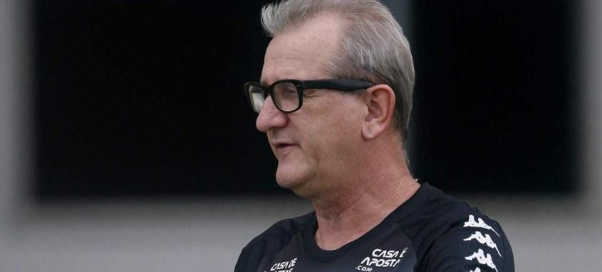 Último clube de Renê Weber foi o Botafogo, de onde saiu no mês de outubro
