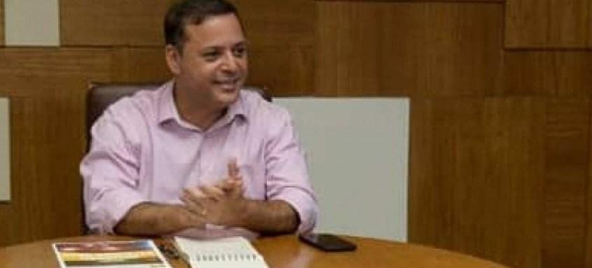 Prefeito de Niterói foi denunciado com mais oito pessoas por suspeita de participação em esquema de corrupção