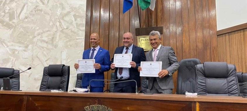 Dr. João e Valdecy da Saúde são diplomados prefeito e vice-prefeito de São João de Meriti