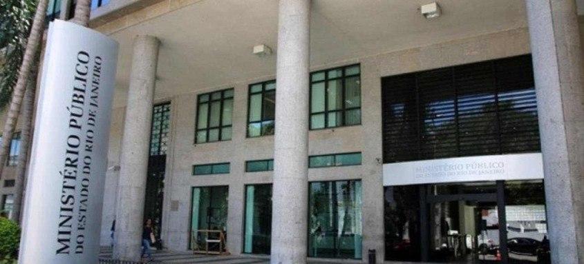 Namorado da filha também foi denunciado pelo Ministério Público