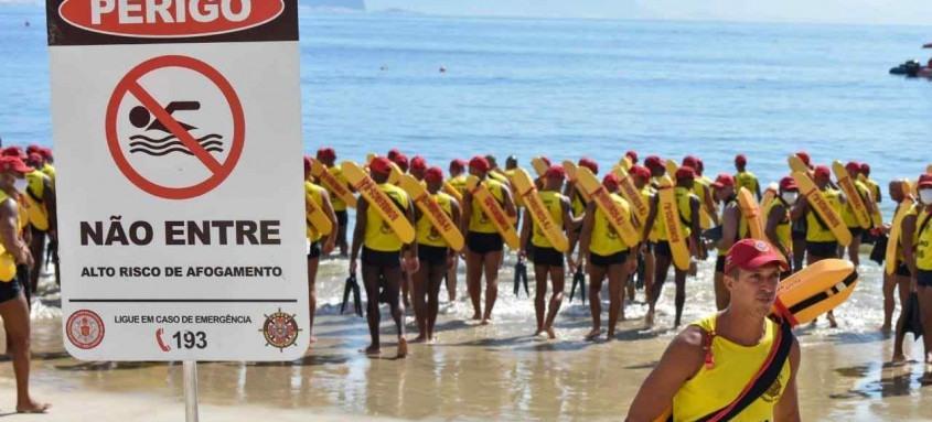 Objetivo é garantir a segurança dos banhistas no período do verão