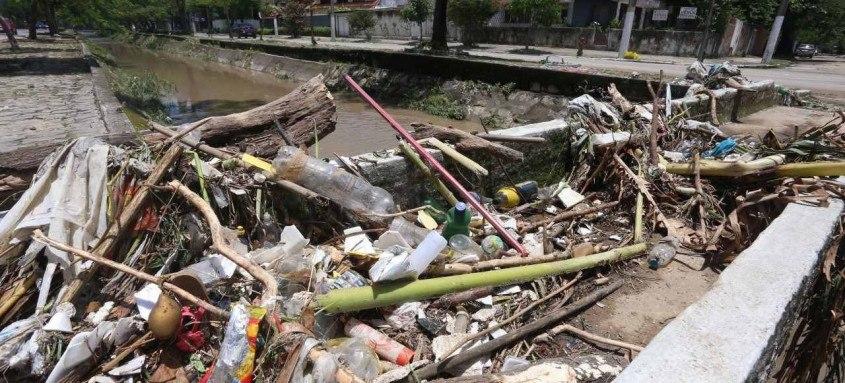 O trabalho da Secretaria de Conservação complementa a atuação da Companhia de Limpeza de Niterói, que recolhe cerca de 13.3 mil toneladas de resíduos de coleta domiciliar