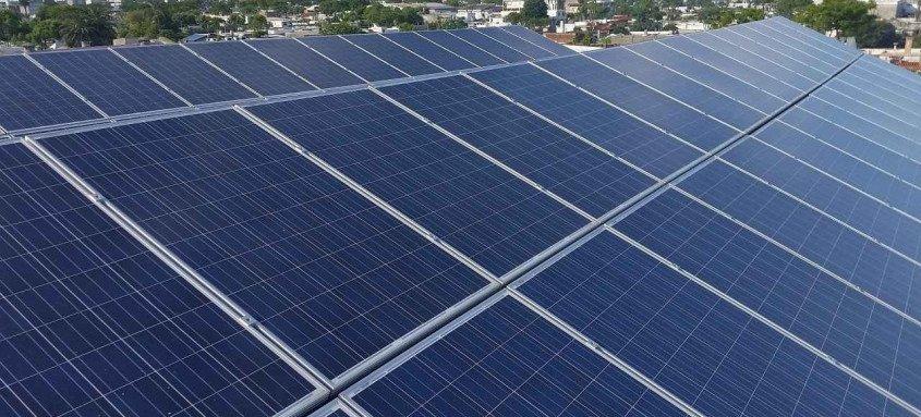 A energia solar é um dos tipos de energia renovável e limpa, garantindo a sustentabilidade do meio ambiente