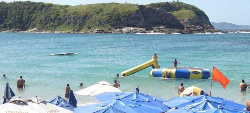 Também estão proibidas festas em restaurantes, hotéis e a colocação de tendas e barracas nas praias