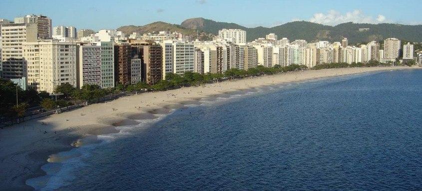 A proibição de estacionamento em toda a extensão da Praia de Icaraí e da Praia das Flechas, compreendendo o trecho entre a Estrada da Fróes e a Rua Dr. Paulo Alves irá até as 10h do dia 1º de janeiro