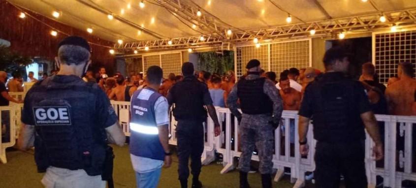 Festa não tinha autorização para ser realizada, e foi interrompida por agentes municipais e estaduais