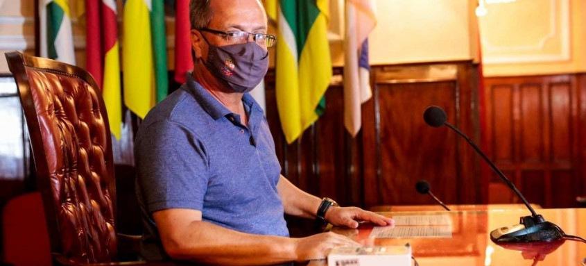 Milton Cal foi escolhido novo presidente da Câmara de Niterói pelo voto de 17 colegas vereadores, no dia 1 de janeiro