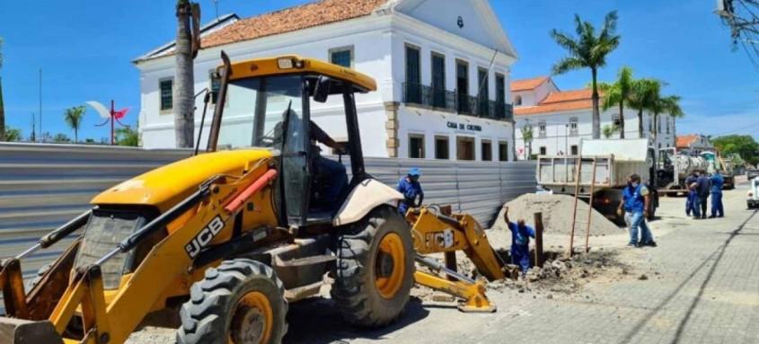 Serviços beneficiam diretamente a obra de reforma da praça Orlando de Barros Pimentel