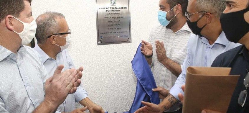 Governador em exercício do Rio de Janeiro, Cláudio Castro, inaugurou a Casa do Trabalhador, em Petrópolis