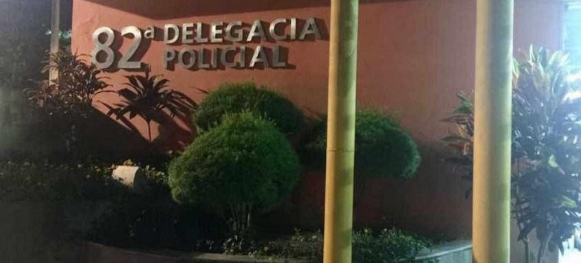 Policiais de delegacia de Maricá investigam o caso