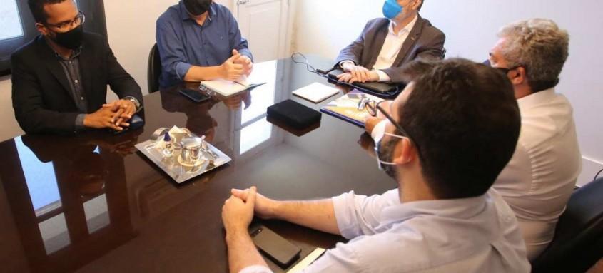 Prefeito se reuniu com reitor da universidade e tratou de projetos para saúde, educação e ciência e tecnologia