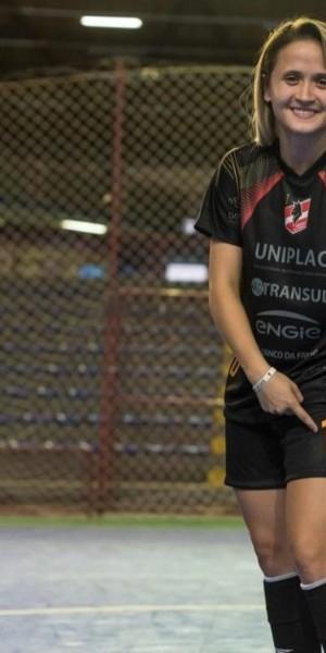 Amandinha defende atualmente o Leoas da Serra, de Lages (SC)