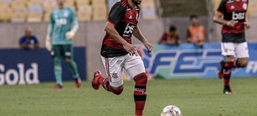 Éverton Ribeiro vem sendo criticado pelas suas últimas atuações no Flamengo