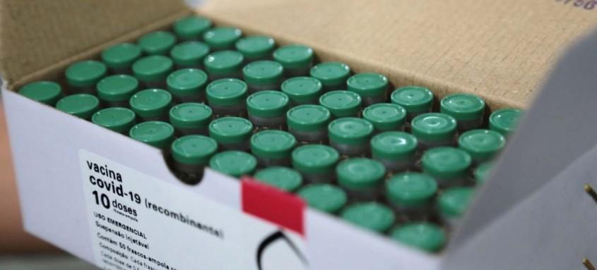 Do montante entregue nesta quarta, 215 mil doses de vacina ficarão no estado do Rio de Janeiro