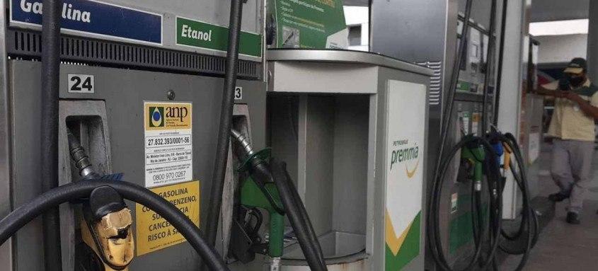Os sucessivos aumentos no preço dos combustíveis tem pressionado a inflação