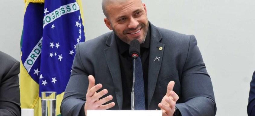 O deputado federal Luciano Bivar (PE), afirmou nesta quarta (17) que o partido está tomando medidas jurídicas cabíveis para a expulsão do deputado Daniel Silveira