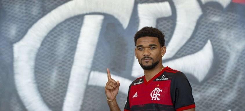 O zagueiro Bruno Viana, opção para o banco de reservas, foi a única contratação do Fla até o momento para a temporada