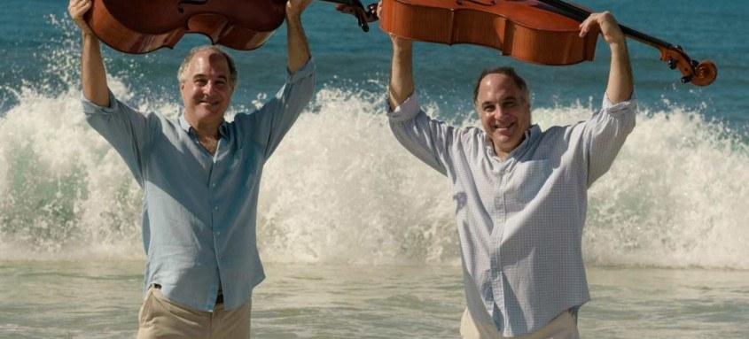Considerado um dos maiores sucessos da música erudita brasileira, o Duo Santoro faz show comemorativo em Niterói