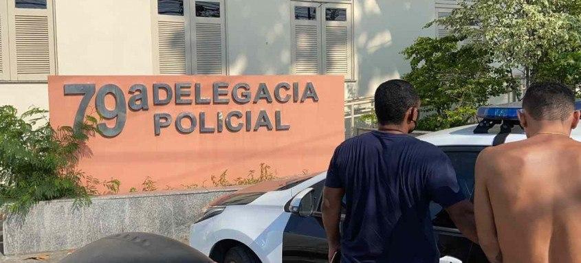 Segundo a polícia a quadrilha costuma agir nas residências em Niterói