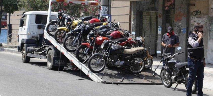 Ao todo, 17 motos foram retiradas de circulação das ruas de São Gonçalo pela Ordem Pública em ação integrada com a polícia