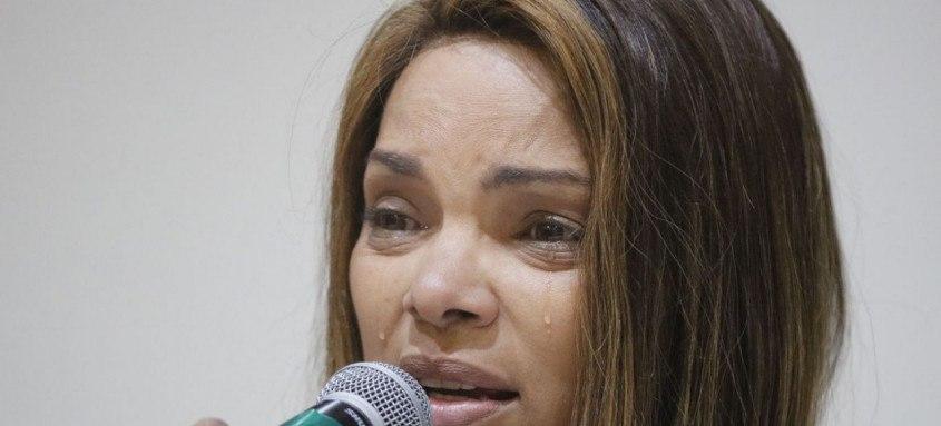 A deputada federal Flordelis é acusada de planejar a morte de seu marido, o pastor Anderson do Carmo, crime ocorrido em Nierói, na casa da famíli