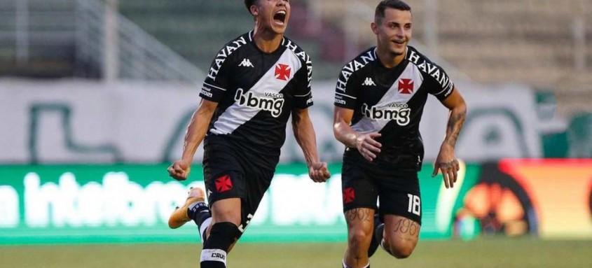 Marquinhos Gabriel fez o gol do Vasco ontem em Poços de Caldas (MG) que garantiu a vaga da equipe na próxima fase