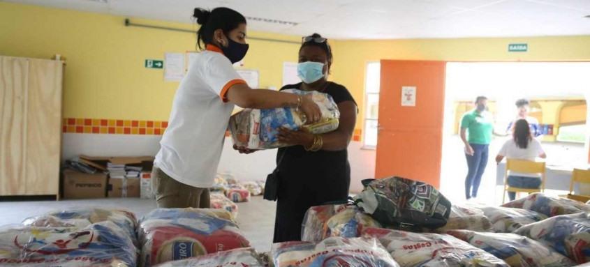 Desde o início da pandemia, mais de 111 mil cestas básicas foram distribuídas pela Prefeitura de Niterói