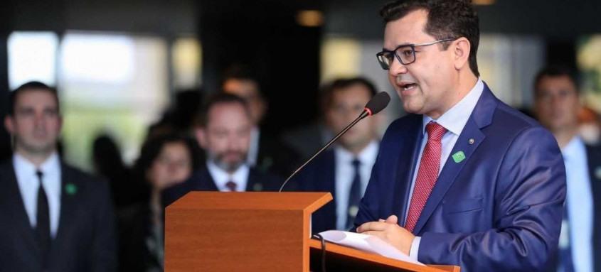 Defensor público-geral federal Daniel Macedo dá 15 dias para governadores explicarem ações contra a covid-19