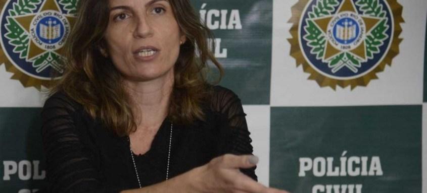 A delegada Bárbara Lomba, da Delegacia de Homicídios de Niterói, São Gonçalo e Itaboraí (DHNSGI), fala à imprensa, sobre o fim da primeira fase da investigação da morte do pastor Anderson do Carmo de Souza, marido da deputada federal Flordelis dos Santos de Souza