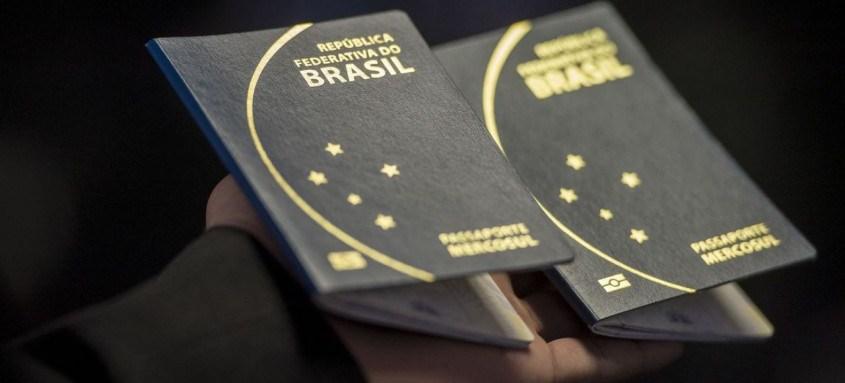 País flexibilizou restrições de viagens para estudantes e jornalistas