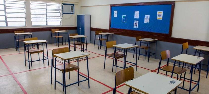 As unidades estaduais das demais 75 cidades permanecerão com ensino exclusivamente remoto