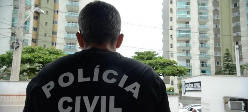 Cerca de 150 agentes estão em diligências para cumprir quatro mandados de prisão preventiva e 21 de busca e apreensão