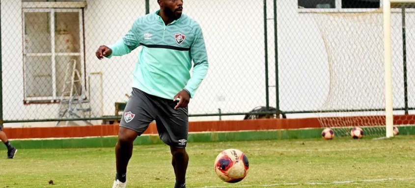 Manoel, que vem se destacando na zaga tricolor nos últimos jogos, está confirmado no duelo pela Copa do Brasil