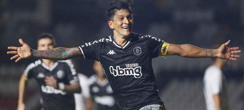 O artilheiro Germán Cano fez o gol ontem, em São Januário, que garantiu o Vasco nas oitavas de final da Copa do Brasil