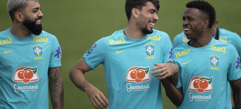 Gabigol, Lucas Paquetá e Vini Jr. devem começar no time titular na partida deste domingo contra o Equador, em Goiânia